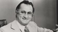 Johnny Esaw dies at age 87