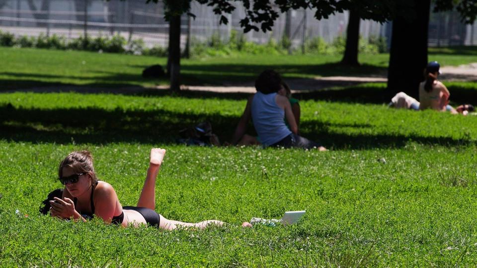 Toronto sizzles under extreme heat alert