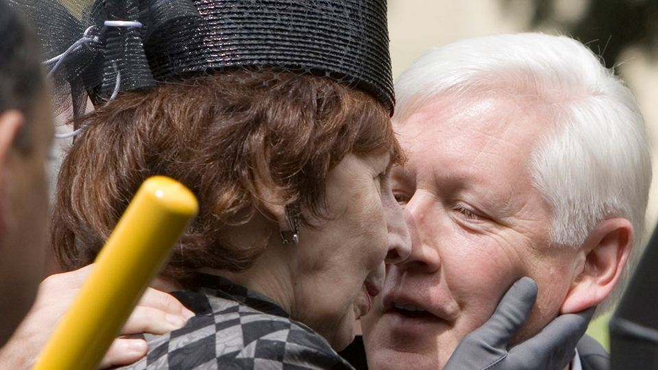 Anne Mirvish, sculptor and wife of late Toronto impresario, dies ...