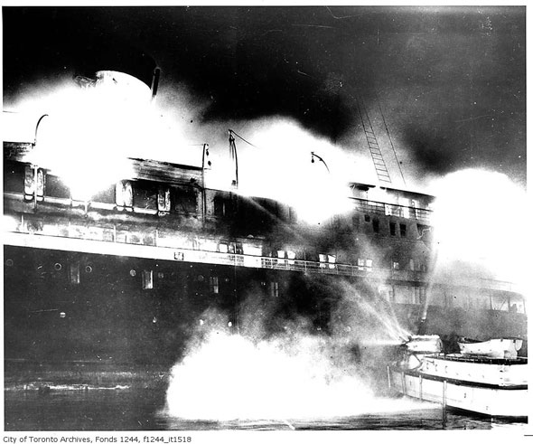 Fire on SS Noronic