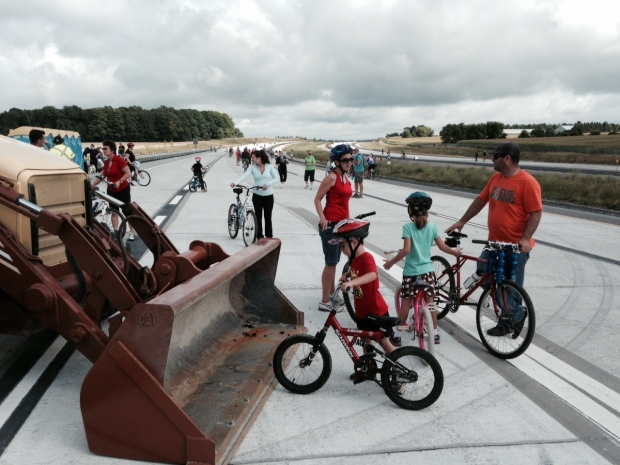 Close to three thousand people got to walk or ride their bikes on the new Hwy. 404 extension in East Gwillimbury on Sunday August 17, 2014. (Steve Mansbridge / CTV Barrie)