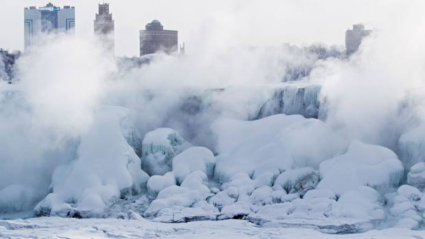 Masses of ice formed in the lower Niagara River and around the American Falls in Niagara Falls, Ont., Thursday, Feb. 19, 2015. (Aaron Lynett / THE CANADIAN PRESS)