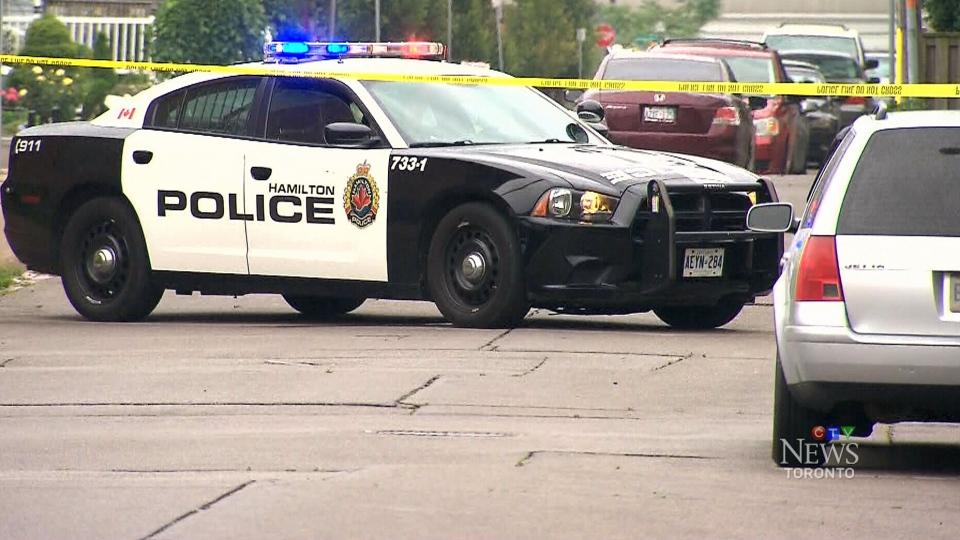 Date cops online in Hamilton