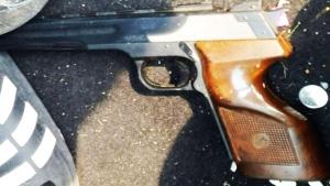 Woman finds gun, crack pipe after stolen car retur