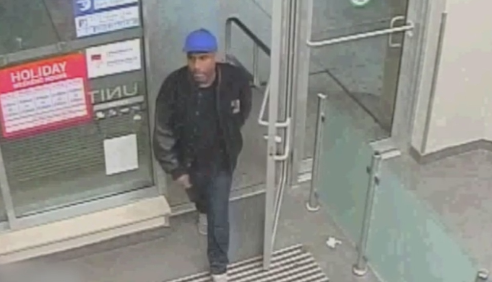 York Regional Police are looking to identify a man wanted in connection with a chewing gum theft in Markham. (York Regional Police)