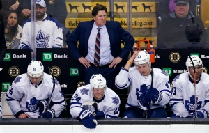Toronto Maple Leafs coach Mike Babcock watches play during the third period of an NHL hockey game against the Boston Bruins in Boston on Feb. 2, 2016. (Charles Krupa / The Canadian Press)