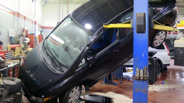 Ctv Toronto Car Falls Off Hoist During Oil Change Ctv