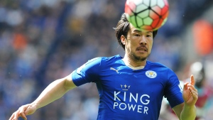 In this Sunday, April 17, 2016 file photo Leicester's Shinji Okazaki chases the ball during the English Premier League soccer match between Leicester City and West Ham United at the King Power Stadium in Leicester, England (AP / Rui Vieira, File).