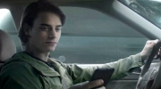TV ad targets drivers who text behind the wheel