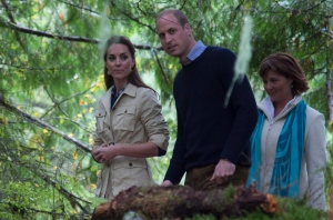The Duke and Duchess of Cambridge along with the Premier of British Columbia Christy Clark walk through the Great Bear rainforest in Bella Bella, B.C., Monday, Sept 26, 2016. (THE CANADIAN PRESS / Jonathan Hayward)