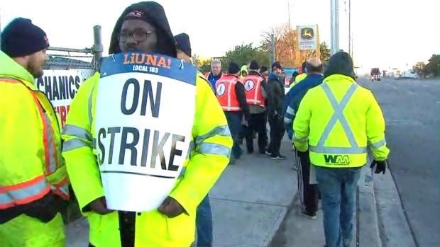 Peel garbage collectors on strike