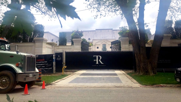 Toronto Allows Taller Fences At Drake S Mansion Amid Security Concerns Ctv News